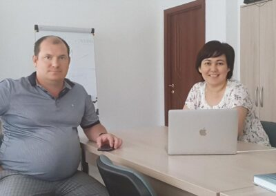 Денис Ужеловский и Аклима Аманбаева, клининг, прачечная, химчистка, г.Павлодар